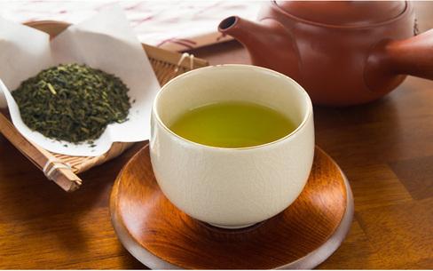 介護の現場でも自宅でも使えるおいしい日本茶の淹れ方
